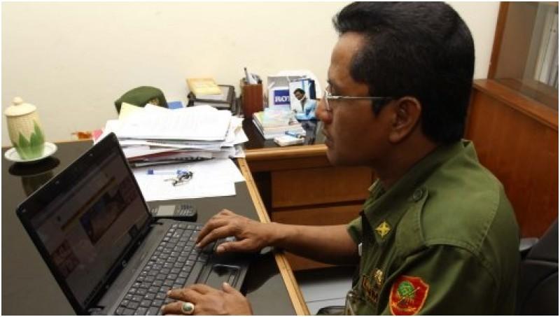 Contoh Absensi Pegawai Negeri Sipil Login Portal Absensi Bmkg Pusat Eks Lurah Kartini Bukan Saya Saja Banyak Pejabat Palsukan Absensi