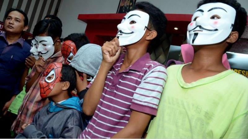 Kasus Pidana Anak Di Bawah Umur Di Surabaya Icefilmsinfo Globolister Siswi Smp Di Surabaya Dicabuli 8 Anak Di Bawah Umur Aneka Info Unik