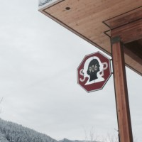 The best cafe to wait at while your kids ski in Snoqualmie Pass (The Commonwealth, Snoqualmie Pass