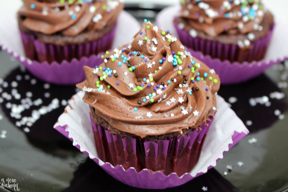 Ice Age: Collision Course Galactic Cupcakes Recipe & Movie Night