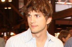 300px-Ashton_Kutcher_2008-09-08