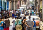 Crowds watch shooting of Fast and Furious