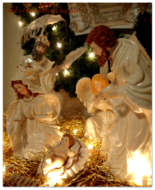 AnExtraordinaryDay.net - Decorating Inspiration - Nativity and Wreath