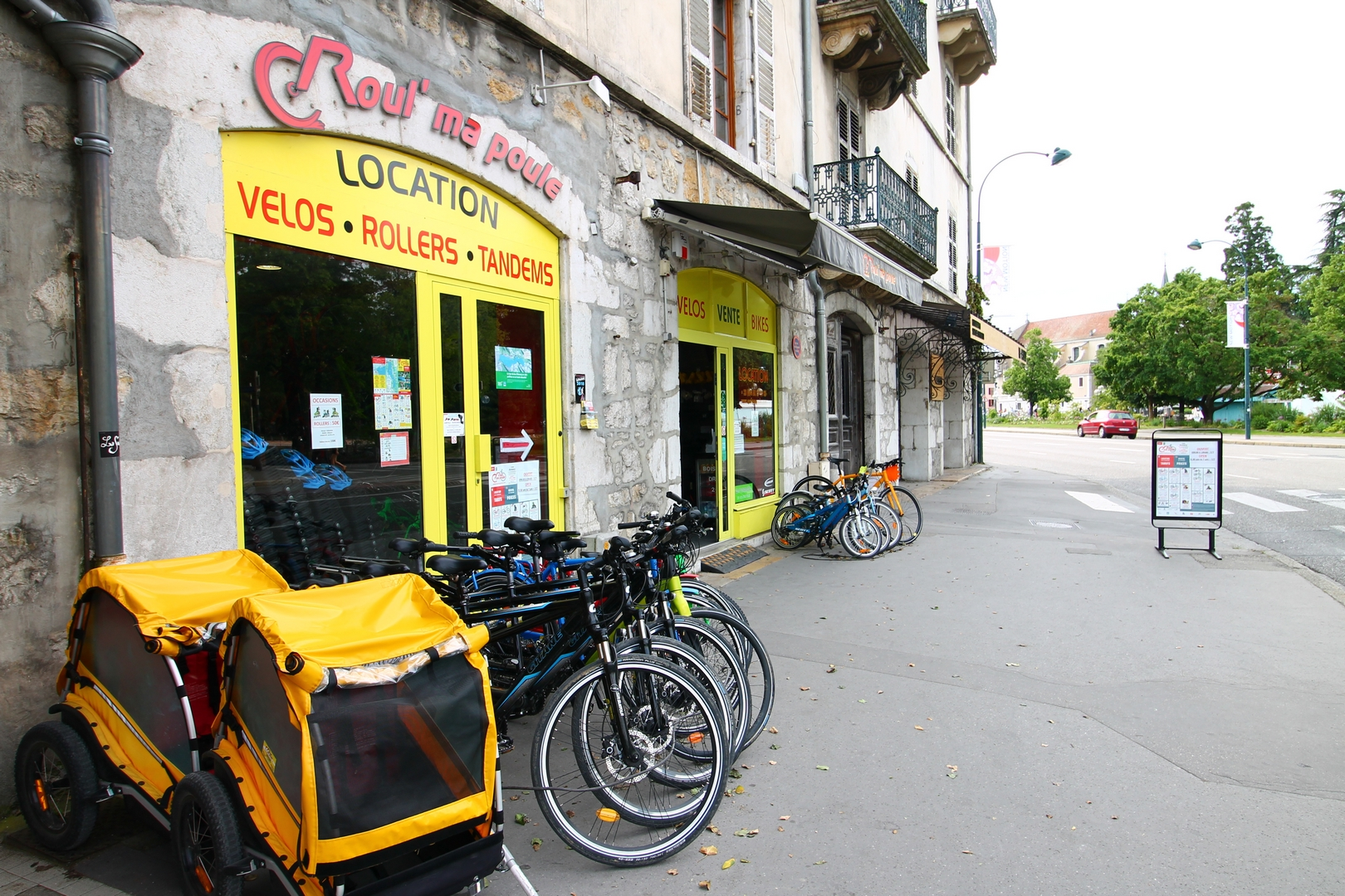 Magasin Musique Annecy Location Velo Annecy Location Roller Annecy Kayak Paddle Boards