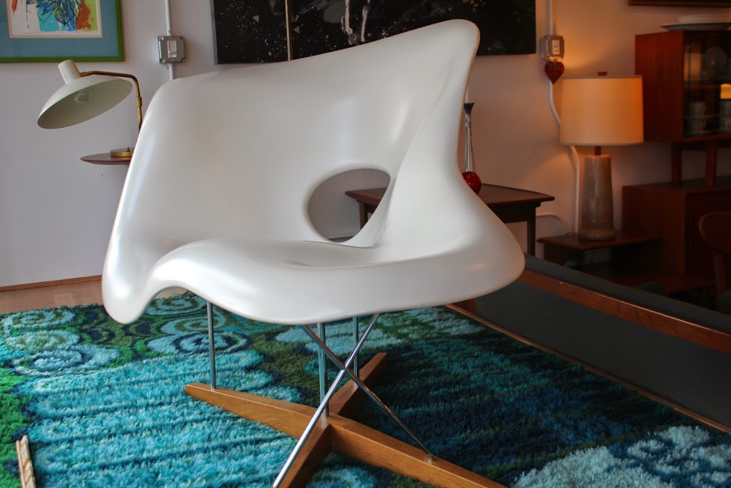 Lounge Chair Charles Eames La Chaise Lounge Chair By Charles And Ray Eames | An