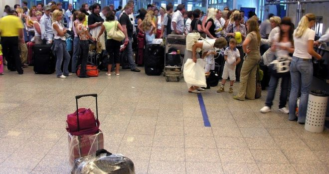 Busiest Airports in Africa - Airport passenger luggage