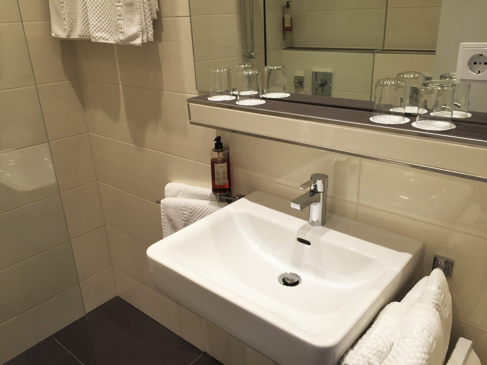 Bäder 4 You New Bathrooms For The Standard Category Hotel Antares In
