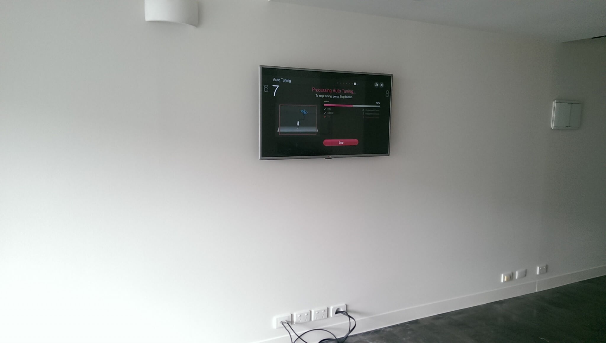 Tv Installation Melbourne Tv Wall Mounting In Apartment Port Melbourne Antennify