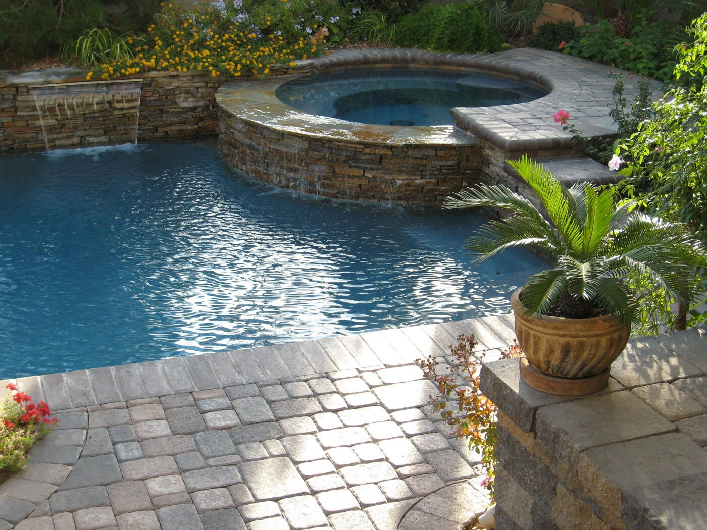 Jacuzzi Swimming Pool Uk Nevada Pool Gallery Anthony And Sylvan Pools