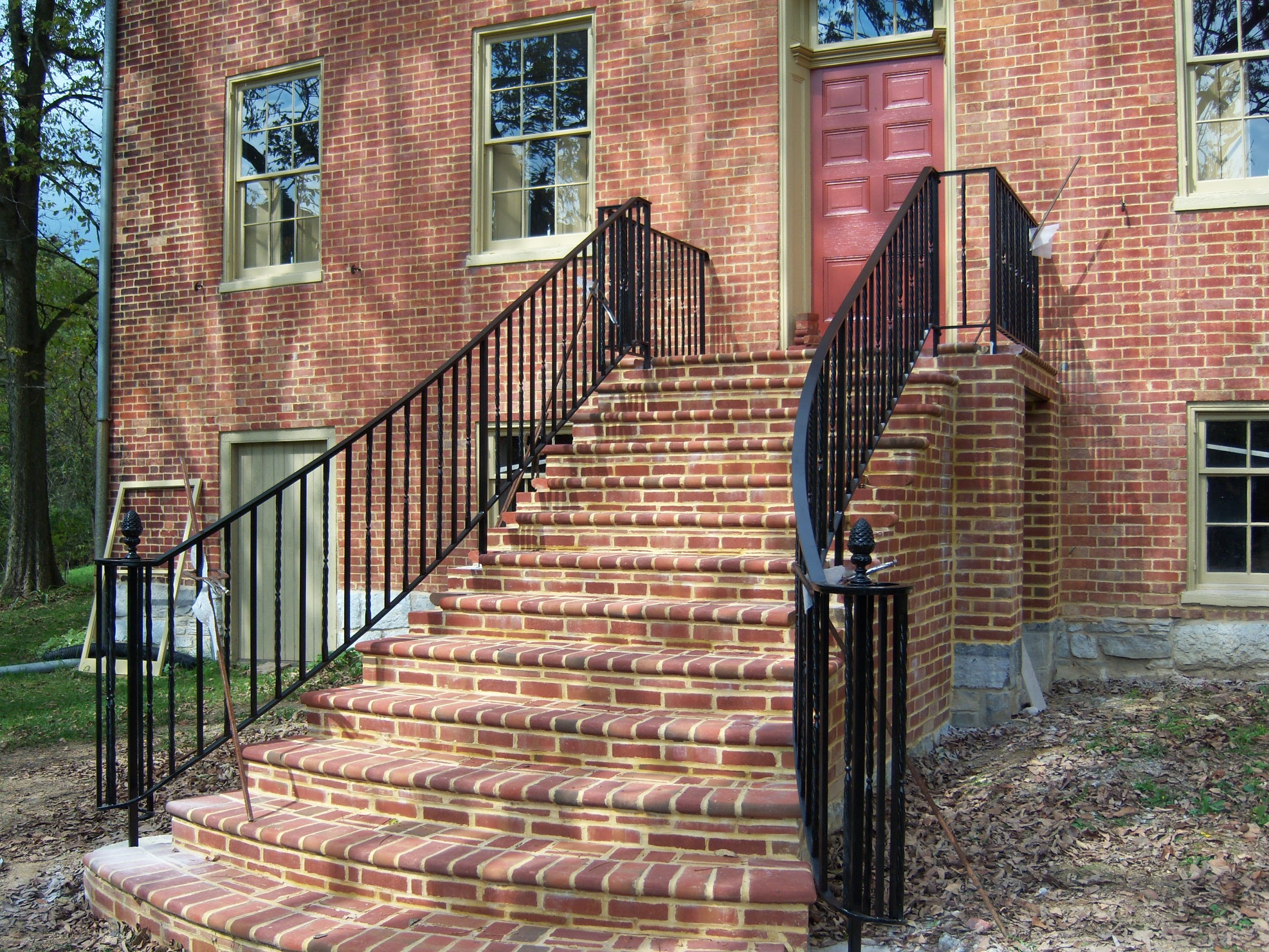 Front Porch Railing Curved Railings Make All The Difference. - Antietam Iron Works
