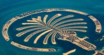 Το Palm Jumeirah είναι τεχνητό σύμπλεγμα νησιών σε σχήμα φοίνικα