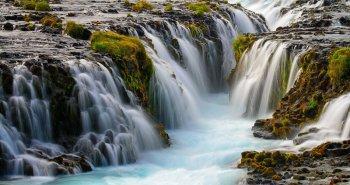Καταρράκτες Bruarfoss στην Ισλανδία.
