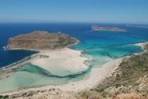 Η παραλία του Μπάλου και το νησί Γραμβούσα από ψηλά