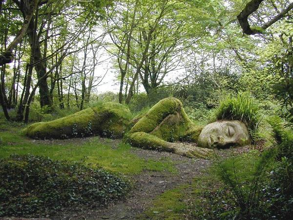 sleeping-goddess-mud-maid-woodland-walk-lost-gardens-of-heligan-england1
