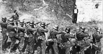 gelontas-mprosta-sto-nazistiko-ektelestiko-apospasma