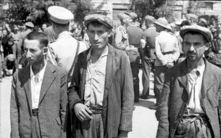 Jewish Men in Salonika used as slave labor