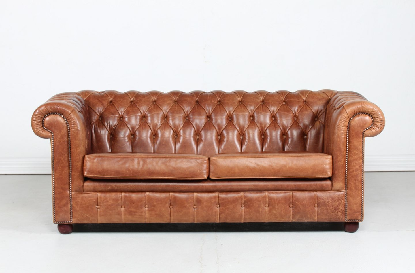 Stari Antik Chesterfield Sofa With Brown Leather Chesterfield Sofa With Brown Leather