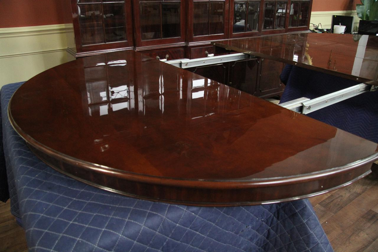 Round Table Seats 10 Round To Oval Round Mahogany Dining Table With Leaves