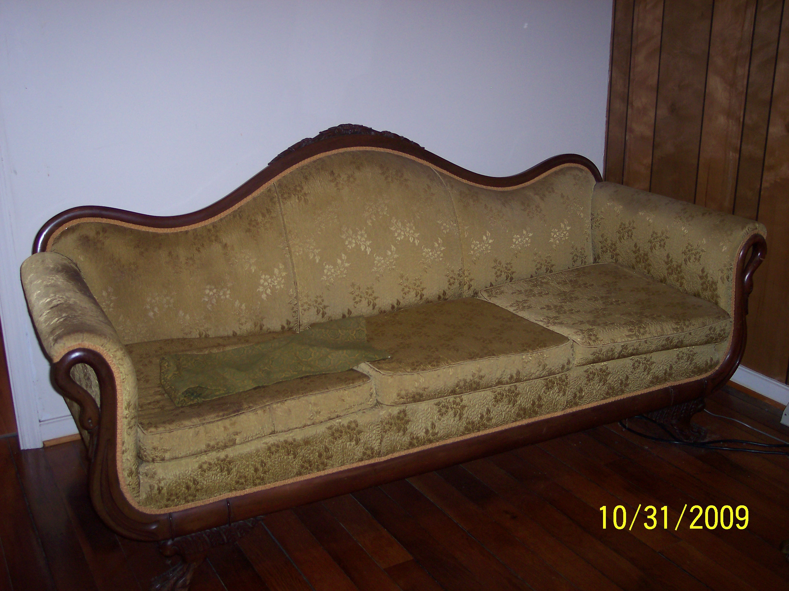 Sofa Queen Anne Queen Anne Victoria Sofa For Sale Antiques Classifieds