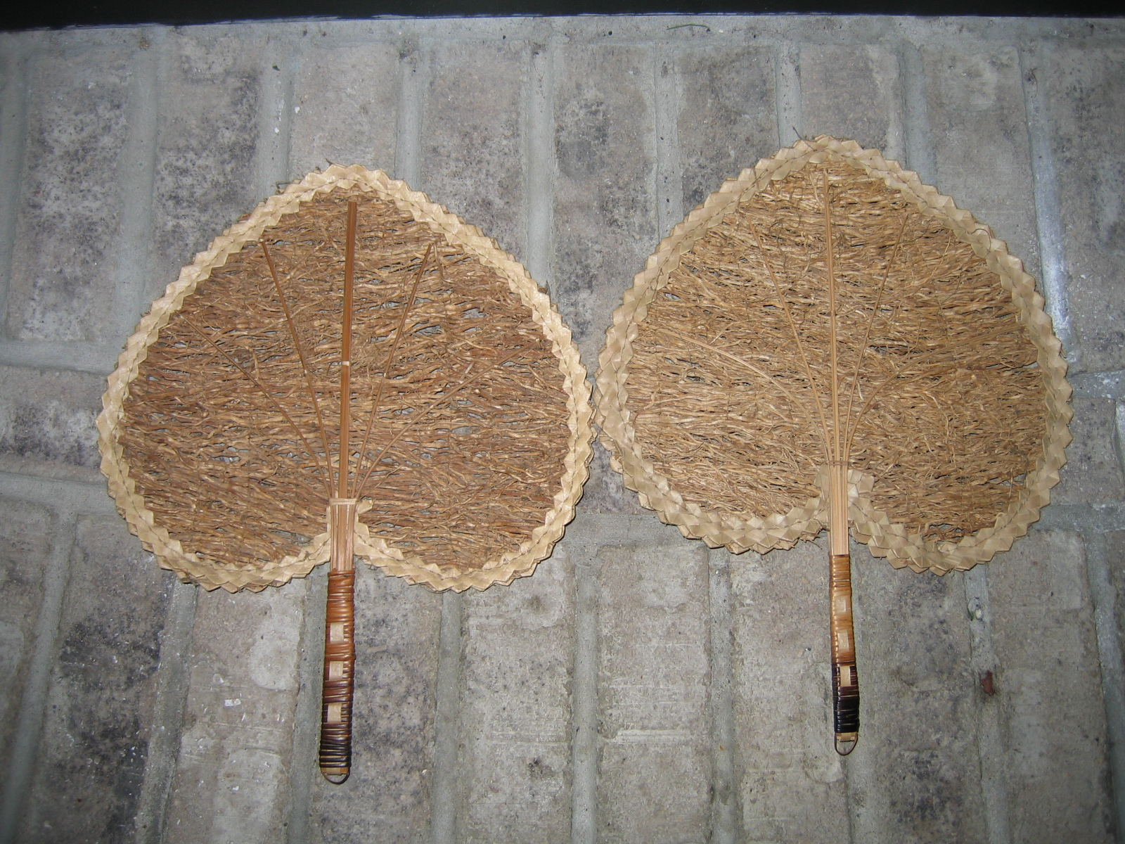 Vintage Looking Fans Old Vintage Ladies Victorian Style Heart Shaped Wicker