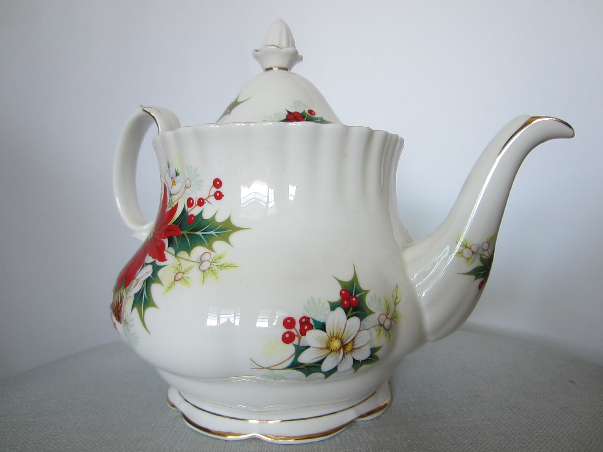 Making Tea In A Teapot Royal Albert Bone China England Poinsettia Teapot Signed