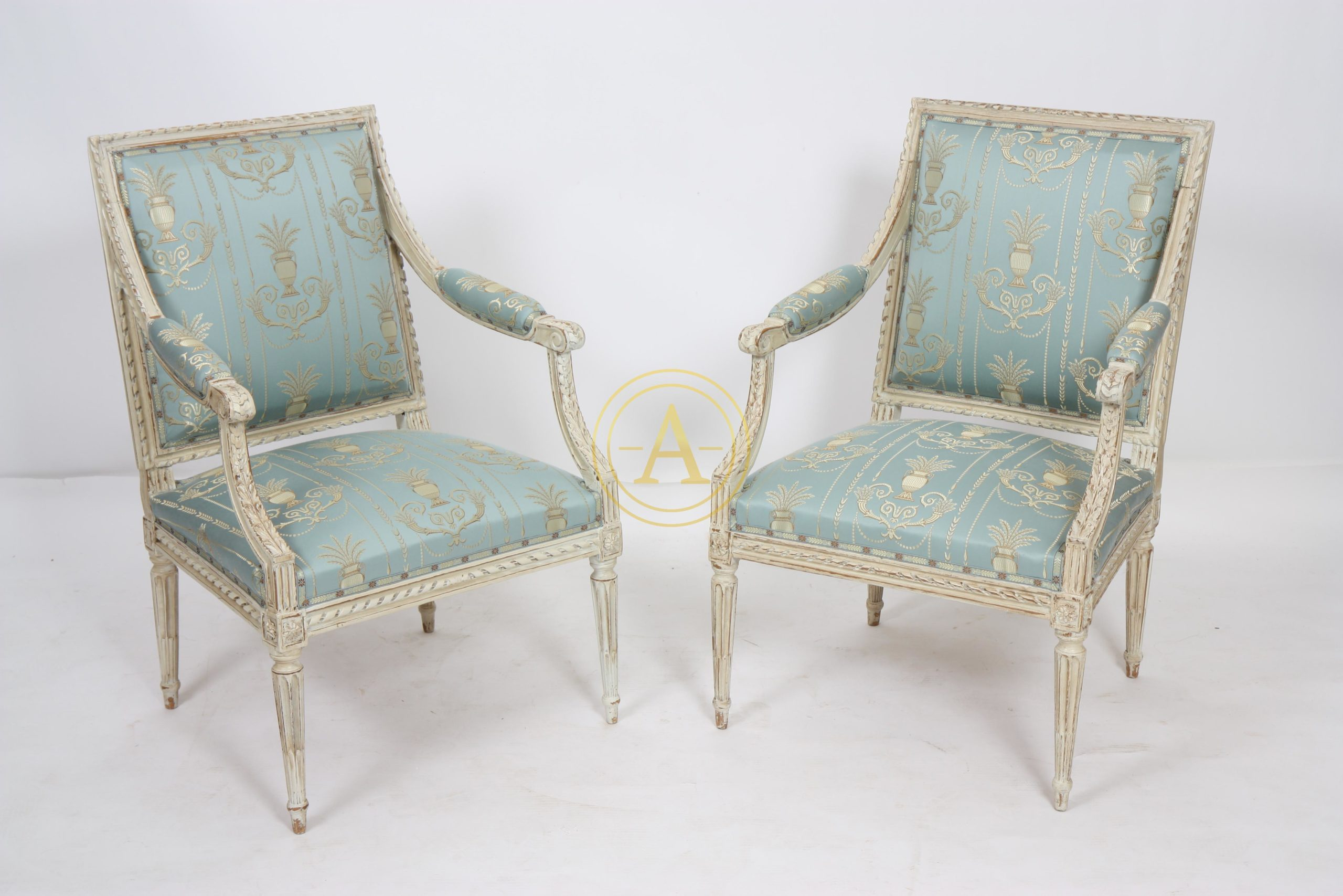 Rare Paire De Fauteuils Louis Xvi De Dupain Antiques Trade Gallery