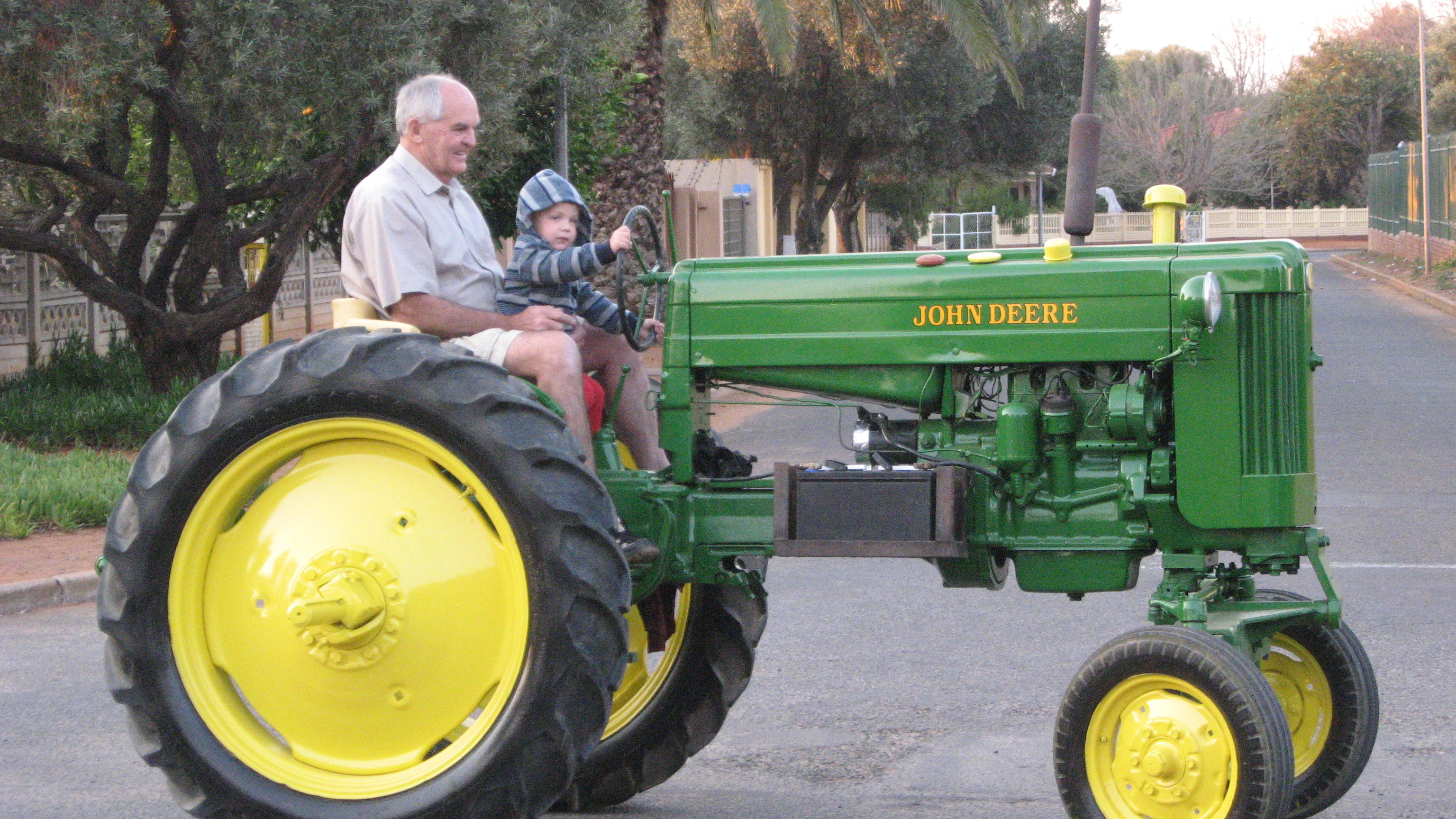 Old John Deere Tractor Parts : John deere antique tractor