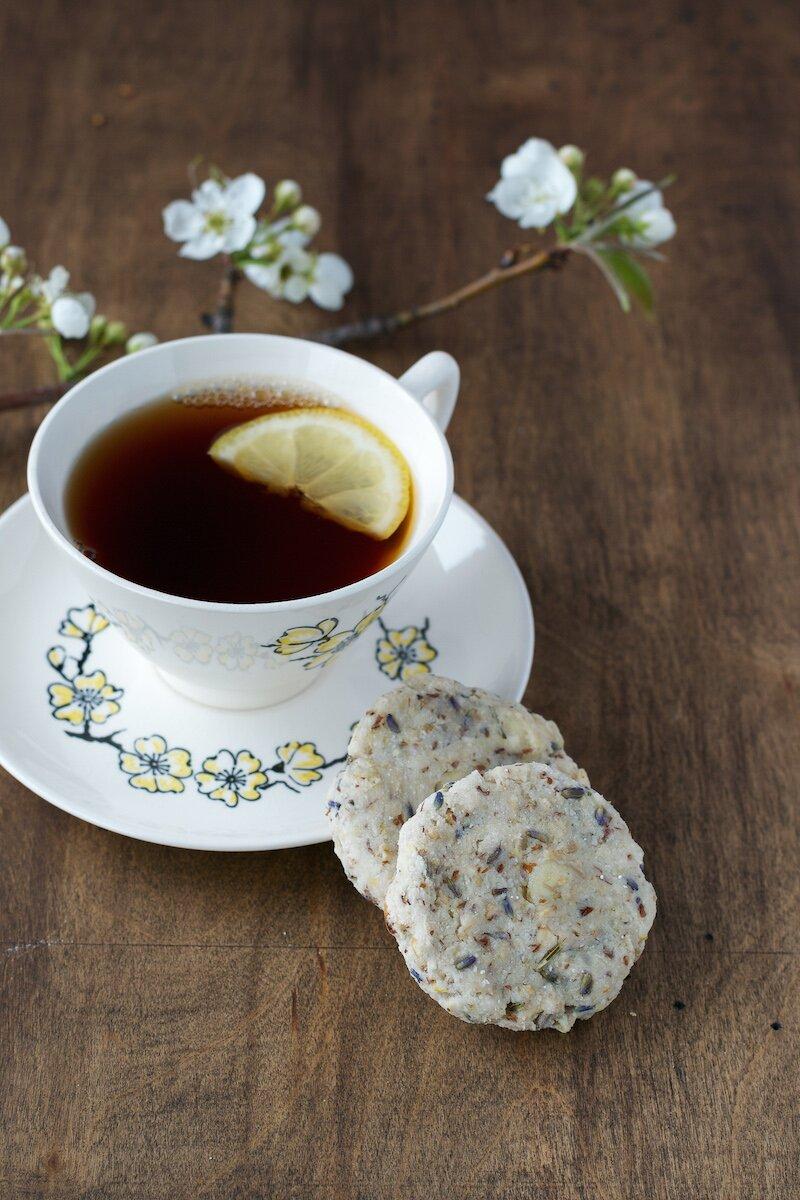 Lemon-Lavender & Macadamia Nut Oatmeal Cookies. Sugar- and Gluten-free.
