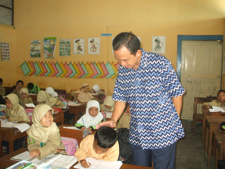 Yudisium Ut 2013 Data Alumni Ikaut Pusat Alumni Ut Sejuta Lebih Guru Belum Bergelar Sarjana Keguruan Berita