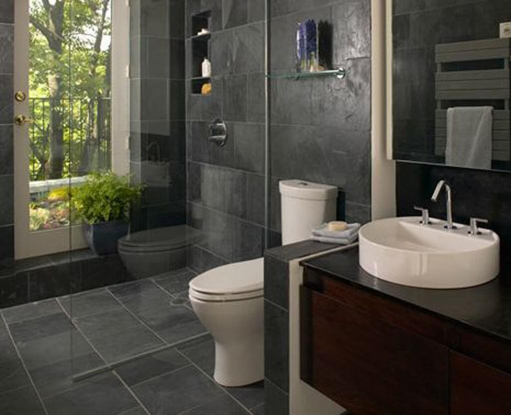 Cozy small bathroom decor