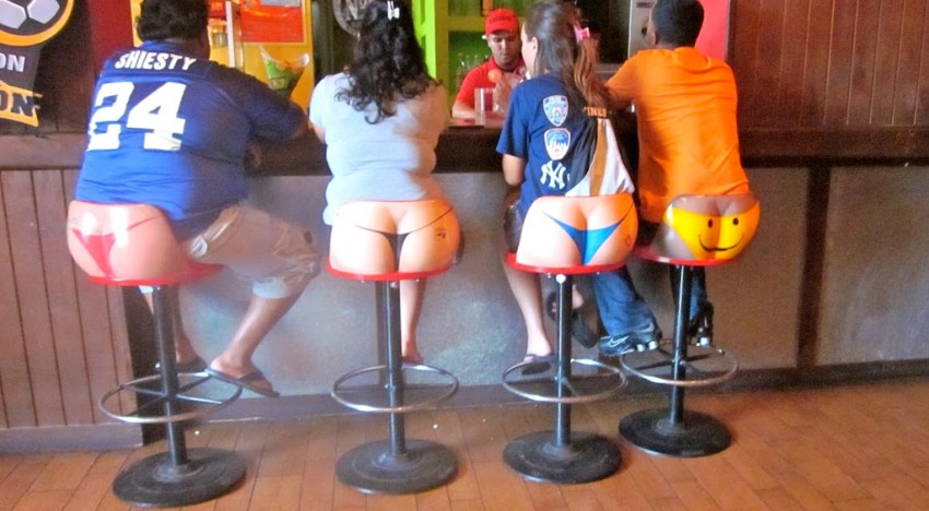 Butts, Balloons, and Beer: The Señor Frogs Experience