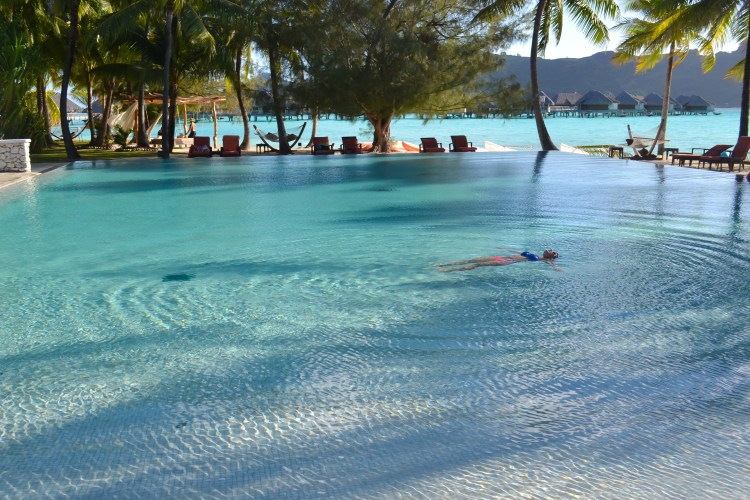 30 photos to inspire you to visit Bora Bora! | www.apassionandapassport.com