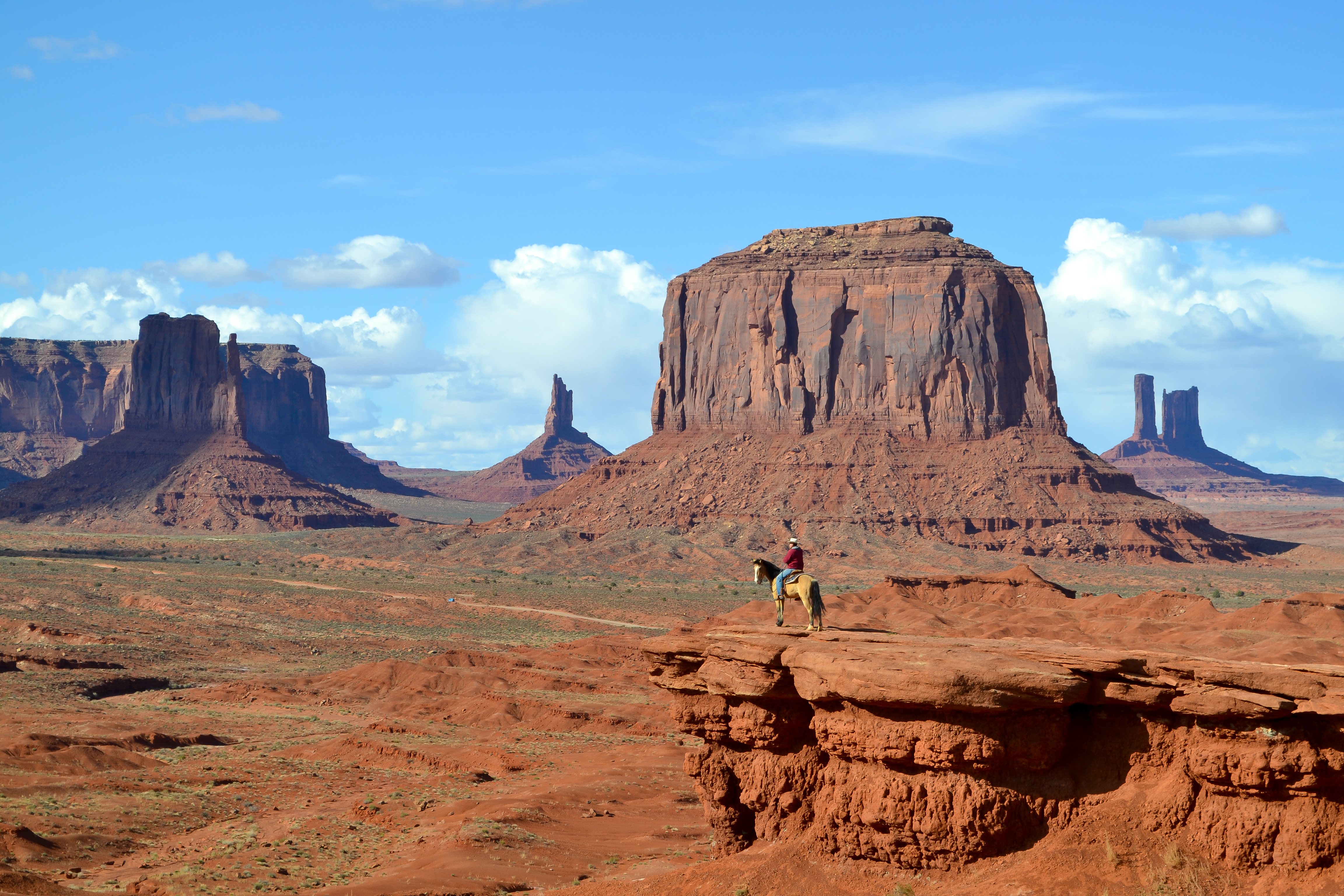 Valley Tours Monument Valley Tour: Tips + Photographs