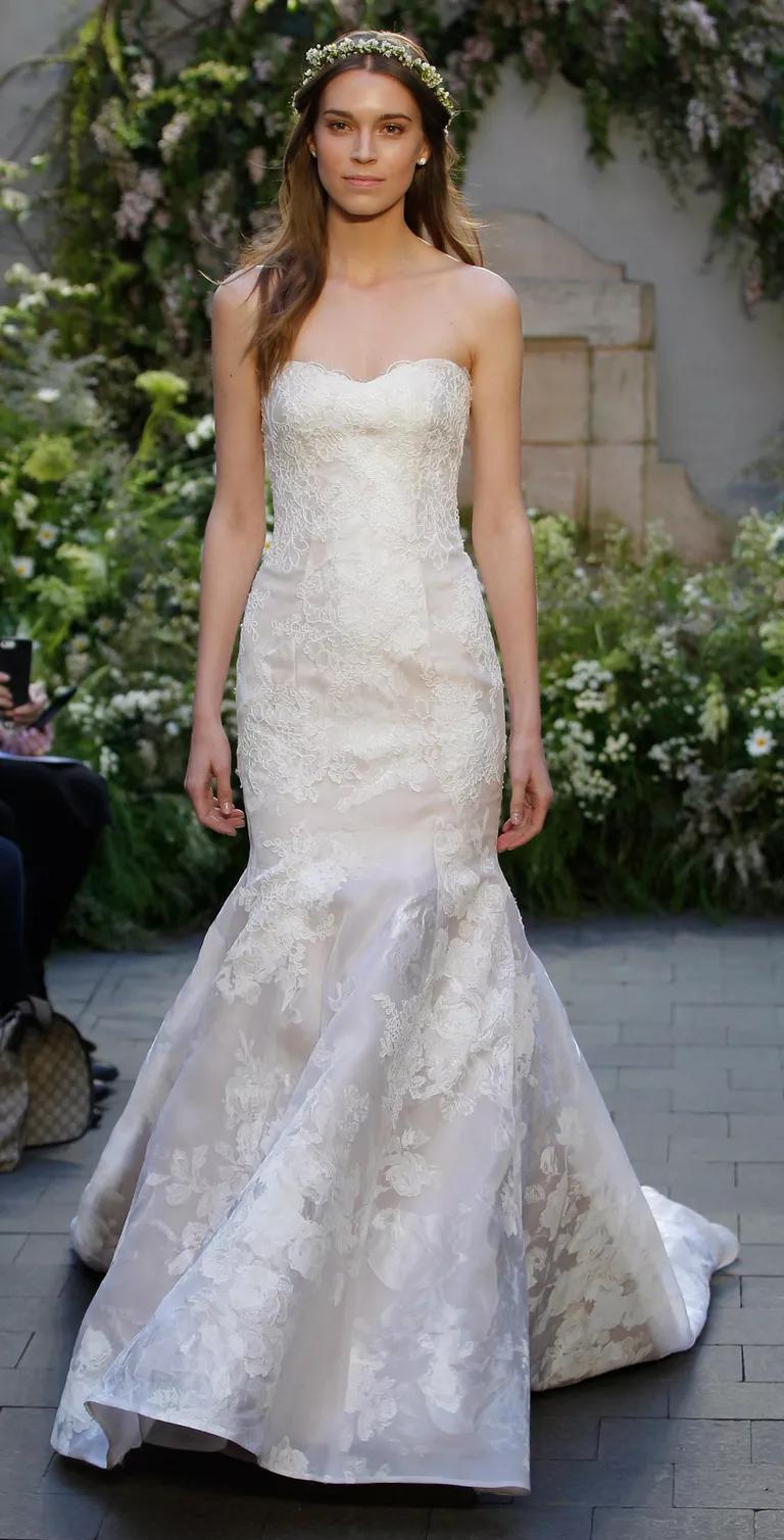 trumpet style wedding dresses trumpet style wedding dress Monique Lhuillier Spring Collection Bridal Fashion Week Pos