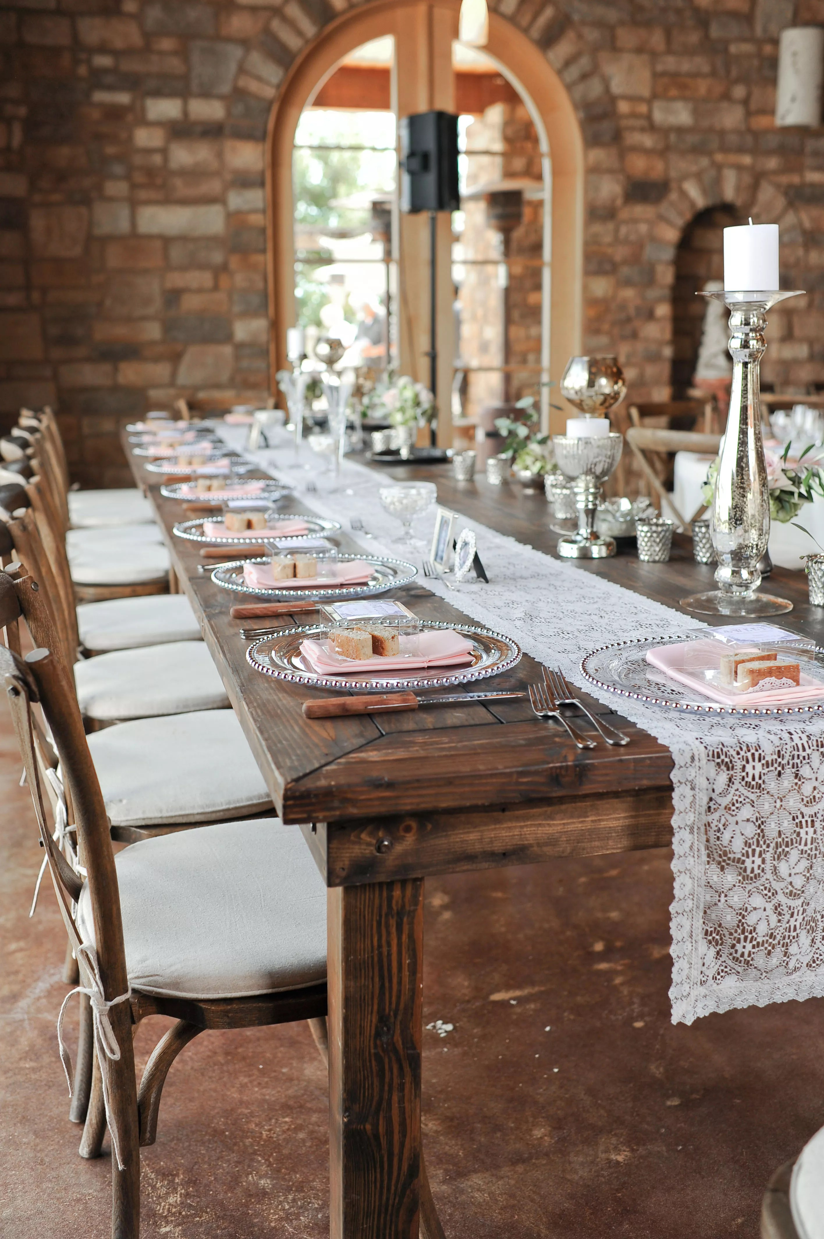 Farmhouse Style Table Runners Rustic Wooden Farm Tables With Lace Runners