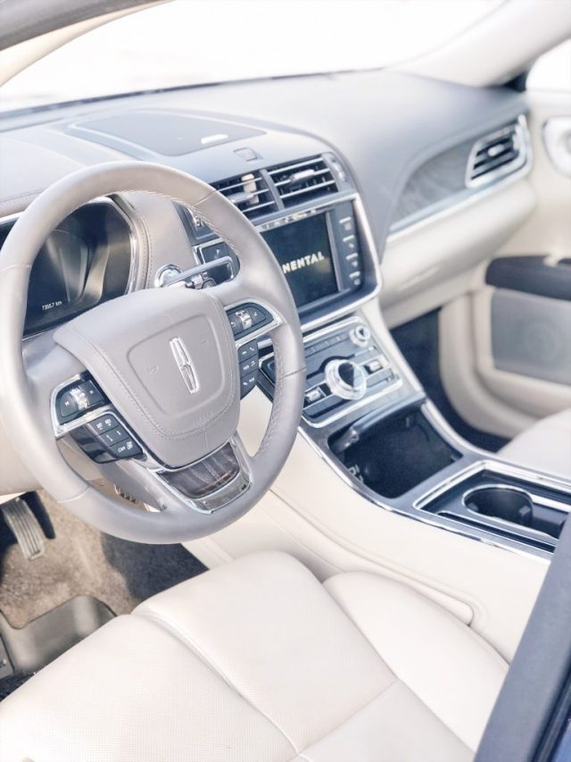 Driver seat of the 2018 Lincoln Continental