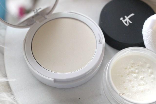 IT Cosmetics Bye Bye Pore Illuminating Setting Powder