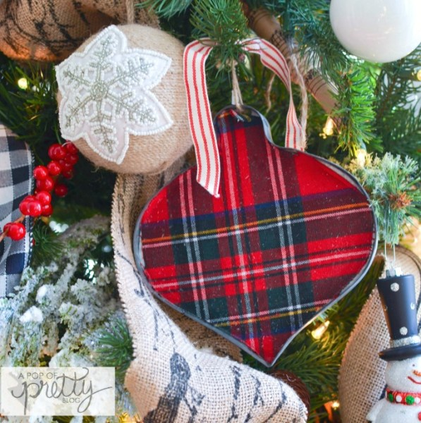 Cottage Christmas Tree red plaid 3