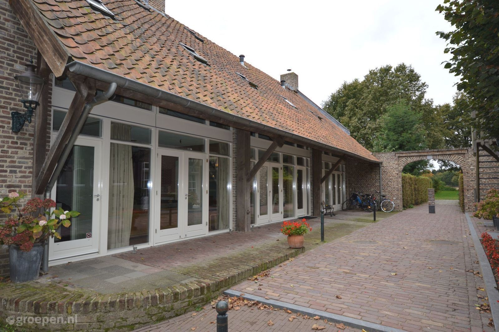 Zwembad Binnenhof Paasloo Group Accommodation In Maasbree Limburg 20 Guests Groepen Co Uk
