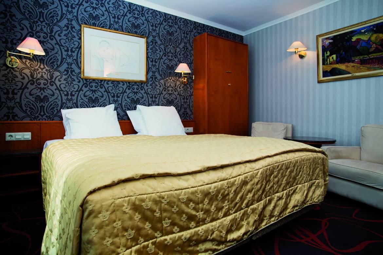 Hotel International Espace Wellness Clervaux | Flydoscope N4 2008 By ...