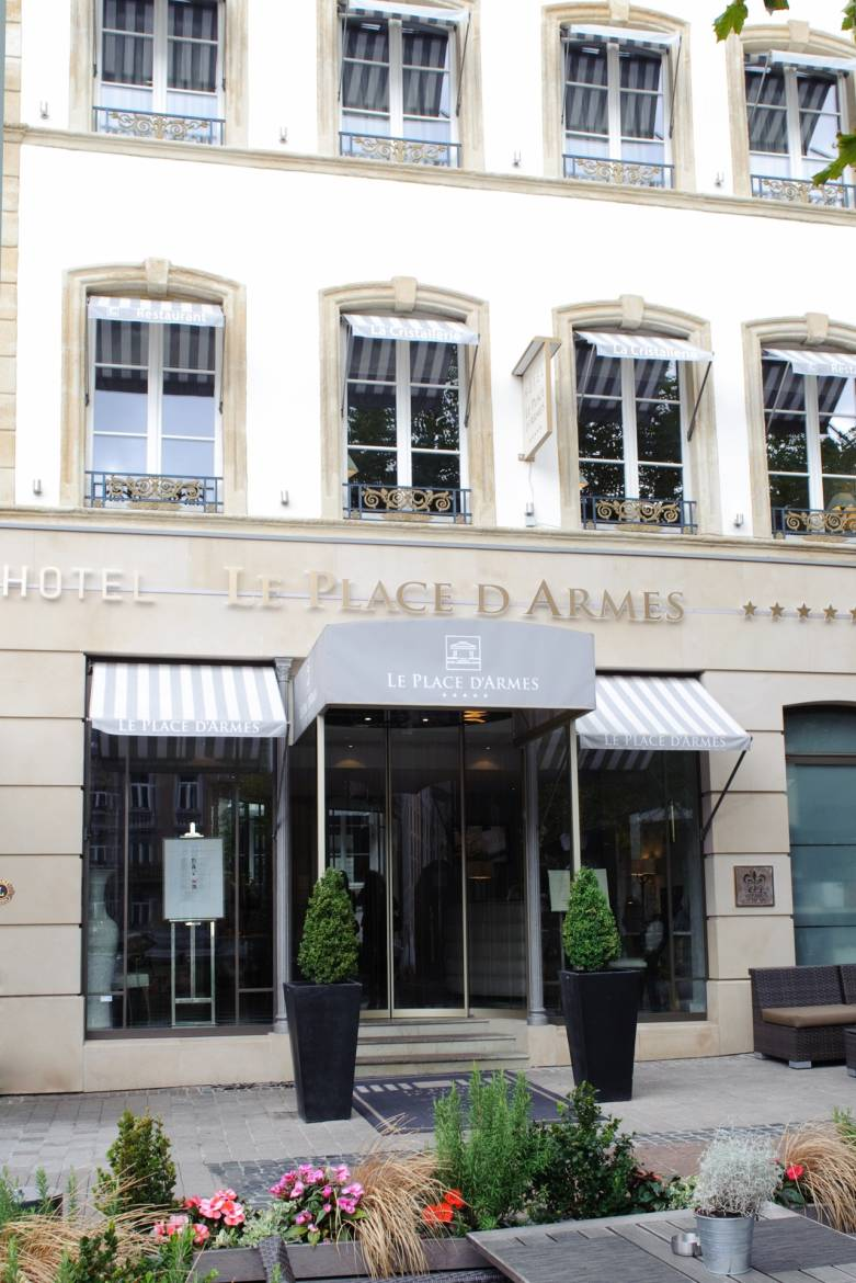 Hotel Luxemburg Stad Zwembad Hotel Restaurant Le Place D Armes Visit Luxembourg