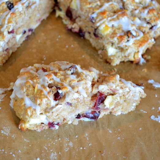 Healthier and low calorie scones filled with white chocolate and cranberries. Super yummy!