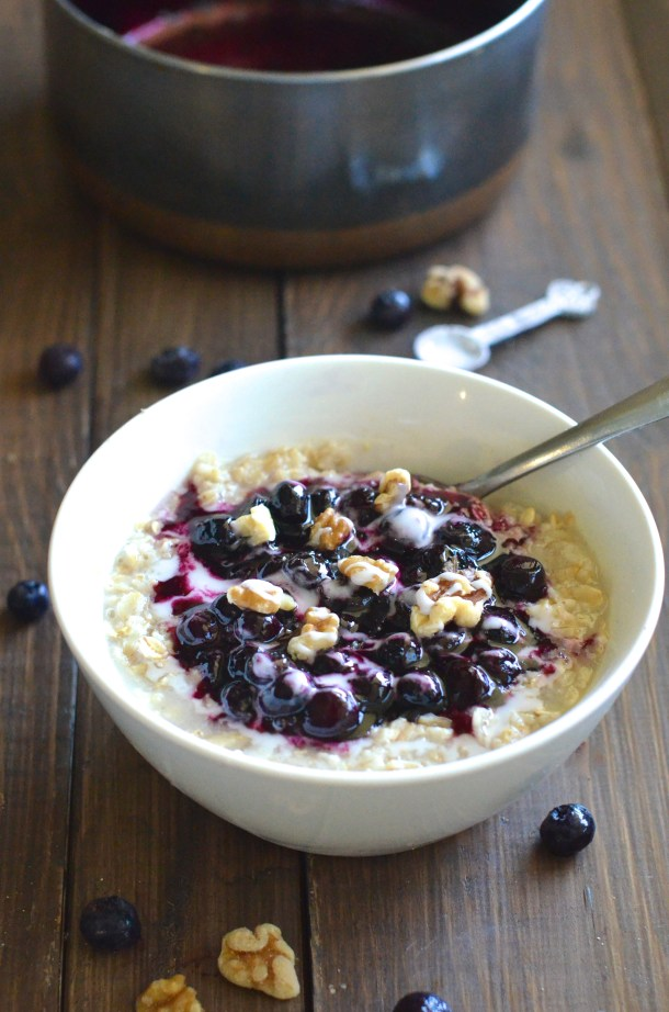 Healthy Blueberry Pie Oatmeal! Done in just 10 minutes and so delicious!
