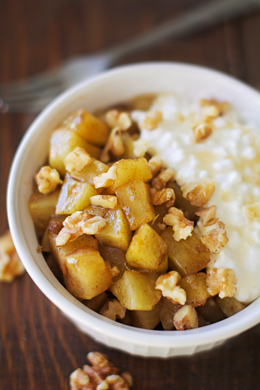 210 calorie Healthy Warm Cinnamon Apple Mess- the perfect protein-packed breakfast, snack, or dessert!
