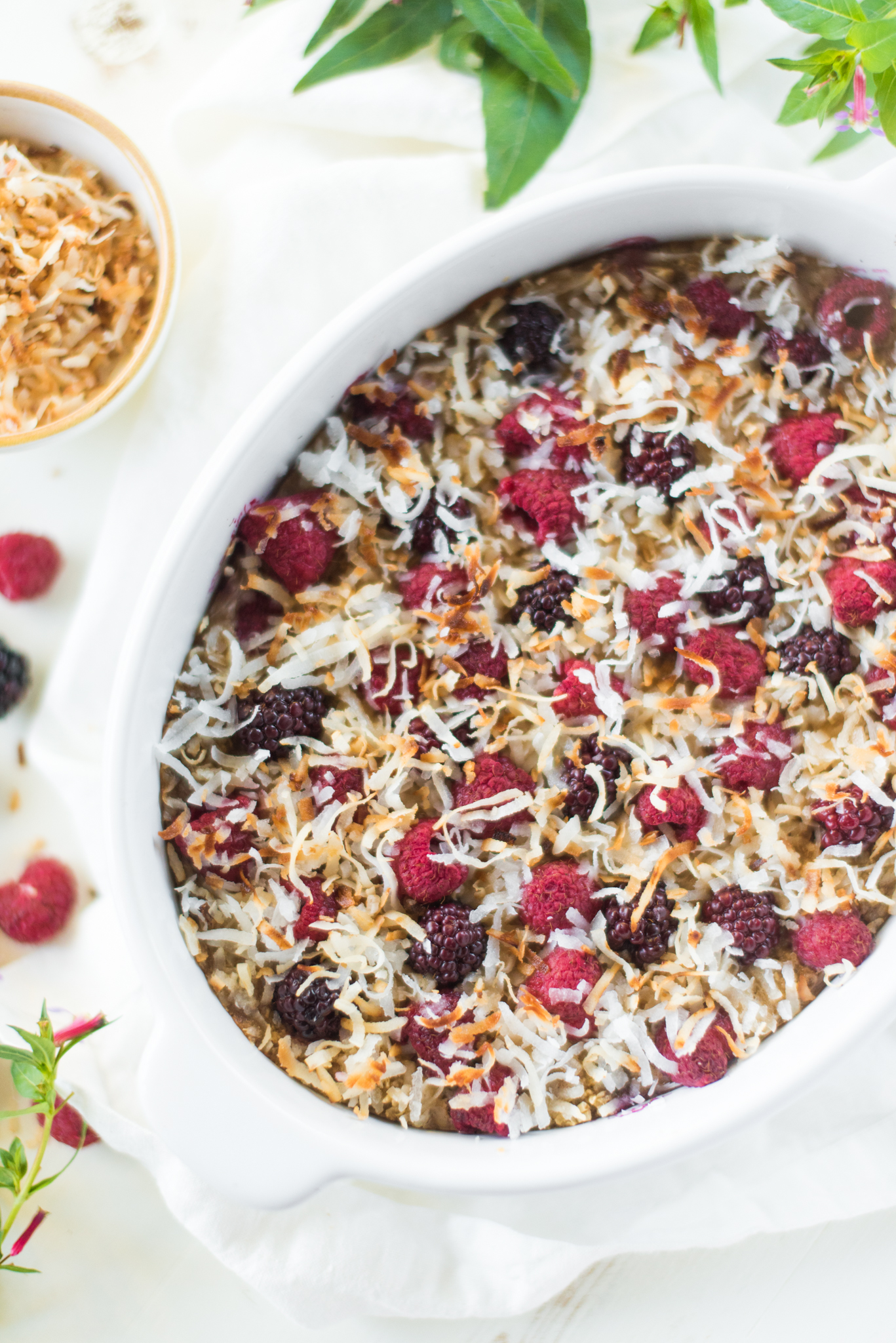 Coconut Berry Oatmeal Bake- delicious, healthy, and done from start to finish in just 30 minutes! Meal prep once for a healthy and filling breakfast all week long!