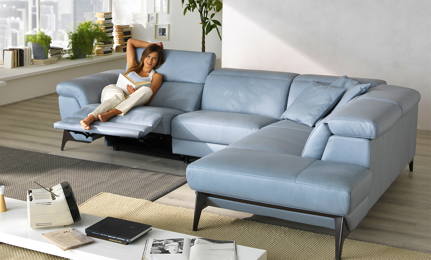 Designer Furniture Golden Gate Plaza Sectional Sofa Buying Guide Appliances Connection
