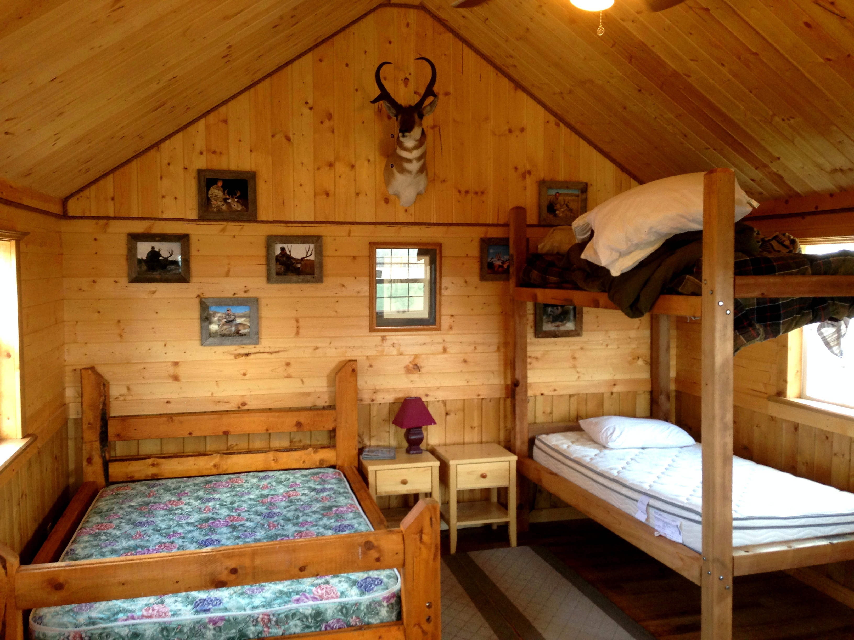 Cabin Wall Decor Ideas Home Decorating Bedroom Atmosphere Lake House Style Deer Lighting Log Furniture And Wood Catalogs Interior Apppie Org