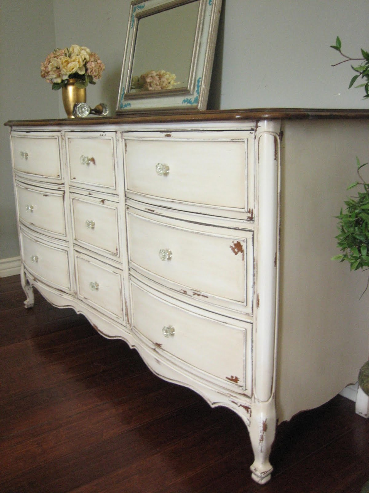 Antiqued French Dresser Country Bedroom Furniture Ideas Hand Painted Vintage Distressed Antique Vanity Antic Dressers With Mirrors Hardware Apppie Org