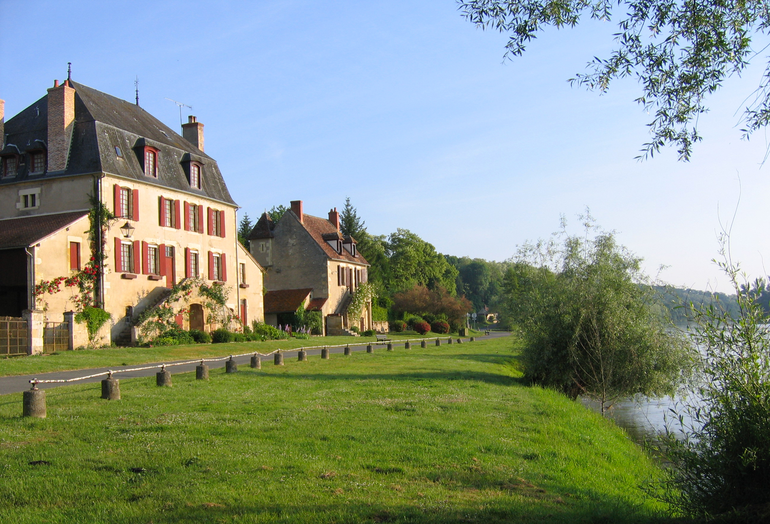 Apremont Sur Allier Chateau Village Apremont Sur Allier