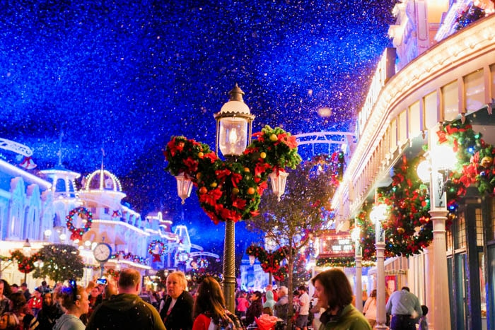 disney-very-merry-christmas-14-of-34